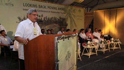 Shri Sitaram Yechury speaking at the inaguration (1)
