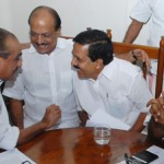 ramesh chennithala and oommen chandy in udf meeting